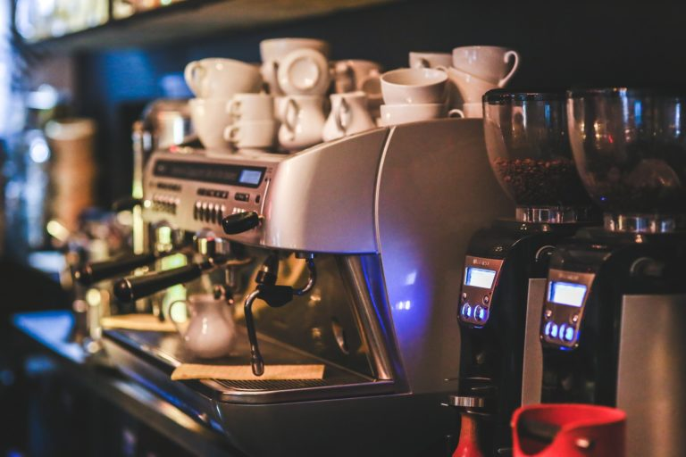 Coffee and Espresso machines and coffee cups